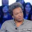 """Doc Gynéco (41 ans) sur le plateau de """"Salut les Terriens !"""" (Canal+) Le 26 mars 2016."""