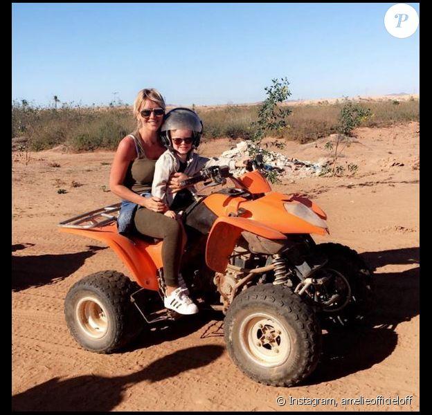 Amélie Neten et son fils Hugo à Marrakech, le 2 avril 2016