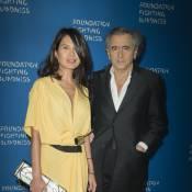 Bernard-Henri Lévy bien accompagné face aux soeurs Hilton