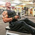 Dwayne Johnson s'entraîne à la salle de sport dès quatre heures du matin. Photo publiée sur Instagram, le 13 avril 2016.