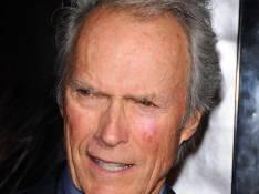 VIDEO : Quand Clint Eastwood se fait braquer par une bande de loubards !