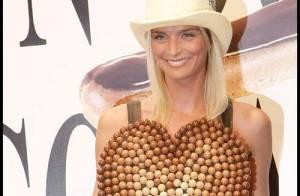 REPORTAGE PHOTOS : Sarah Marshall en chocolat mais surtout... très nue !