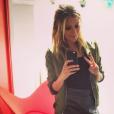 Emilie Picch (Mad Mag) prend la pose sur Instagram