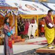 Le roi Jigme Khesar et la reine Jetsun du Bhoutan lors d'une cérémonie officielle au Buddha Dordenma à Timphu le 2 mai 2016