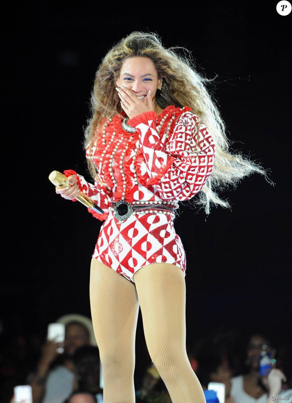 """Premier spectacle de Beyoncé au stade Marlins Park à Miami, coup d'envoi de sa tournée """"Formation World Tour"""", le 27 avril 2016."""