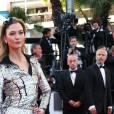 """Karlie Kloss - Montée des marches du film """"Julieta"""" lors du 69ème Festival International du Film de Cannes. Le 17 mai 2016. © Olivier Borde-Cyril Moreau/Bestimage"""