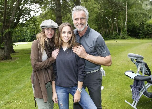 Exclusif - David Ginola, sa femme Coraline et leur fille Carla à la 15e édition des Balles Blanches au Golf du Prieuré à Sailly, le 2 juin 2015.