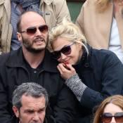 Helena Noguerra s'affiche blonde et amoureuse à Roland-Garros