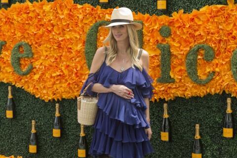 Nicky Hilton, enceinte, savoure le Veuve Clicquot Polo Classic avec Rose Byrne