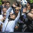 Diego Maradona - Pelé et Diego Maradona s'affrontent lors d'un match de football amical au Palais Royal à Paris le 9 juin 2016.