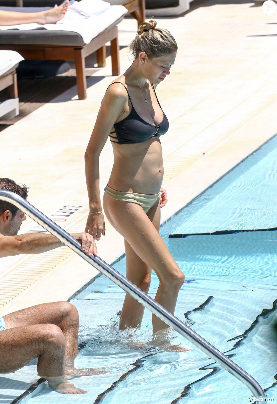 Feet Carla Pereyra nudes (85 photos), Pussy, Cleavage, Feet, in bikini 2018