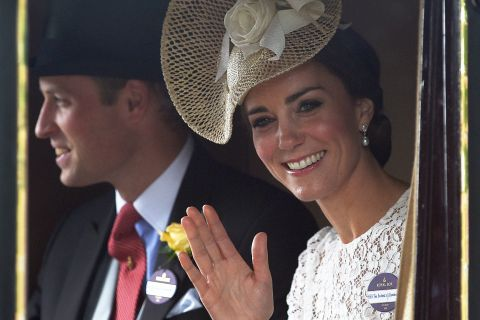 Kate Middleton, divins débuts au Royal Ascot, William prince de la gay-attitude