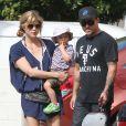 Selma Blair et son ex petit-ami Jason Bleick emmenent leur fils Arthur au Farmers Market a Studio City, le 1er septembre 2013.