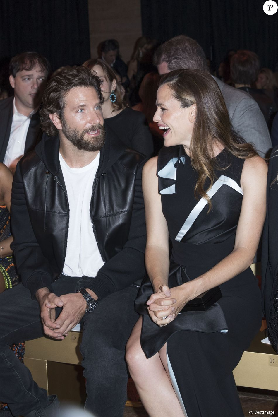 """Bradley Cooper et Jennifer Garner au défilé de mode Haute-Couture automne-hiver 2016/2017 """"Atelier Versace"""" à Paris. Le 3 juillet 2016 © Olivier Borde / Bestimage"""