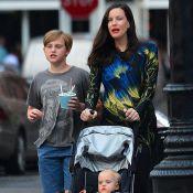 Liv Tyler enceinte : Son ventre rond mis en valeur devant un papy déconneur