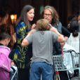 Exclusif - Liv Tyler, enceinte avec, son père Steven Tyler et ses enfants Milo Langdon et Sailor Gardner, se promènent à New York le 23 juin 2016.