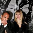 """Nikos Aliagas et sa compagne Tina Grigoriou - Inauguration de l'exposition photographique de Nikos Aliagas intitulée """"Corps et âmes"""" à la Conciergerie à Paris le 23 Mars 2016."""