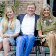 Le roi Willem-Alexander des Pays-Bas, la reine Maxima et leurs filles la princesse héritière Catharina-Amalia, la princesse Alexia et la princesse Ariane ont posé le 8 juillet 2016 dans le jardin de leur résidence, la Villa Eikenhorst, à Wassenaar, dans le cadre de leur séance photo annuelle avec la presse à l'occasion des vacances d'été. La reine Maxima y a pris part malgré une légère commotion cérébrale ; quant à Catharina-Amalia, elle se déplaçait avec des béquilles suite à une entorse !