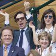 Benedict Cumberbatch et sa femme Sophie Hunter lors de la finale hommes Andy Murray contre Milos Raonic du tournoi de tennis de Wimbledon à Londres, le 10 juillet 2016.