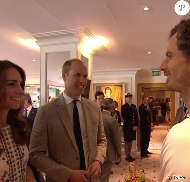 Kate Middleton et le prince William ont pu féliciter en personne Andy Murray après sa victoire en finale du tournoi de Wimbledon le 10 juillet 2016 à Londres.