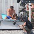 """Séance massage pour les deux amants, Ana est topless - Jamie Dornan et Dakota Johnson sur le tournage de """"Fifty Shades Freed"""" à Saint-Jean-Cap-Ferrat, le 12 juillet 2016."""