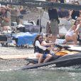 """Dakota Johnson et Jamie Dornan tournent une scène en jet ski pour le film """"50 nuances plus sombres"""" dans le sud de la France à Saint-Jean Cap Ferrat le 12 juillet 2016."""