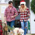 Nicollette Sheridan et son mariAaron Phypers àCalabasas, Los Angeles, le 10 décembre 2014.