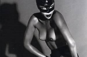 PHOTOS : Quand Naomi Campbell joue les Catwoman, elle enlève tout et ne garde que le masque en latex...