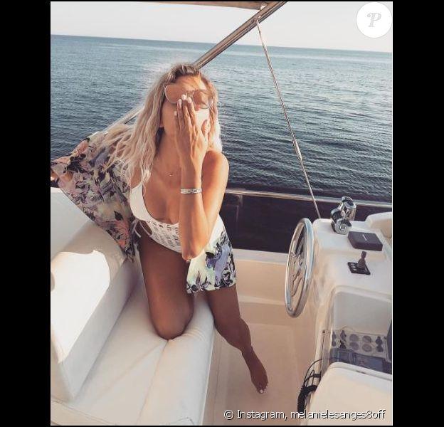"""Mélanie des """"Anges 8"""" en vacances en Grèce avec son petit ami Anthony Martial, juillet 2016"""