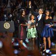 Barack Obama avec sa femme Michelle et ses filles Malia et Sasha - Le president Barack Obama tient un discours le soir de sa reelection a Chicago le 6 Novembre 2012.