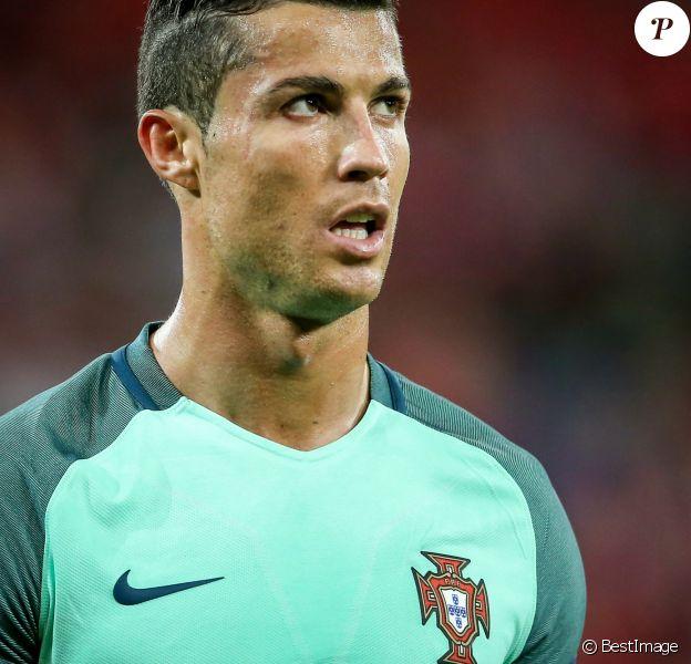 Cristiano Ronaldo lors du match de demi-finale de l'UEFA Euro 2016 Portugal-pays de Galles au stade des Lumières à Lyon, France, le 6 juillet 2016. © Cyril Moreau/Bestimage