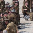 """Exclusif - Christopher Nolan et Fionn Whitehead - Le réalisateur anglais Christopher Nolan sur le tournage du film """"Dunkirk"""" sur la plage de Malo-les-Bains, à Dunkerque. Quatre navires de guerre, un chasseur Spitfire, deux hélicoptères, 1500 figurants et beaucoup de fumée... l'équipe du cinéaste Christopher Nolan a récréé un véritable champ de bataille! Le 27 mai 2016"""
