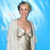 Sharon Stone : En bikini sur la plage, la star en dévoile trop par accident...