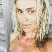 Cécile de Ménibus à Noirmoutier : Jolie sans maquillage à sa sortie de douche