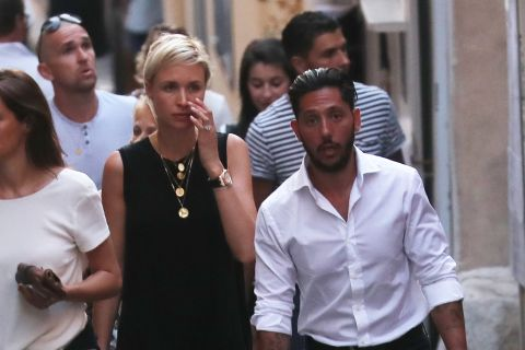 K.Maro et Anne-Sophie Mignaux : De jeunes mariés stylés même en vacances !