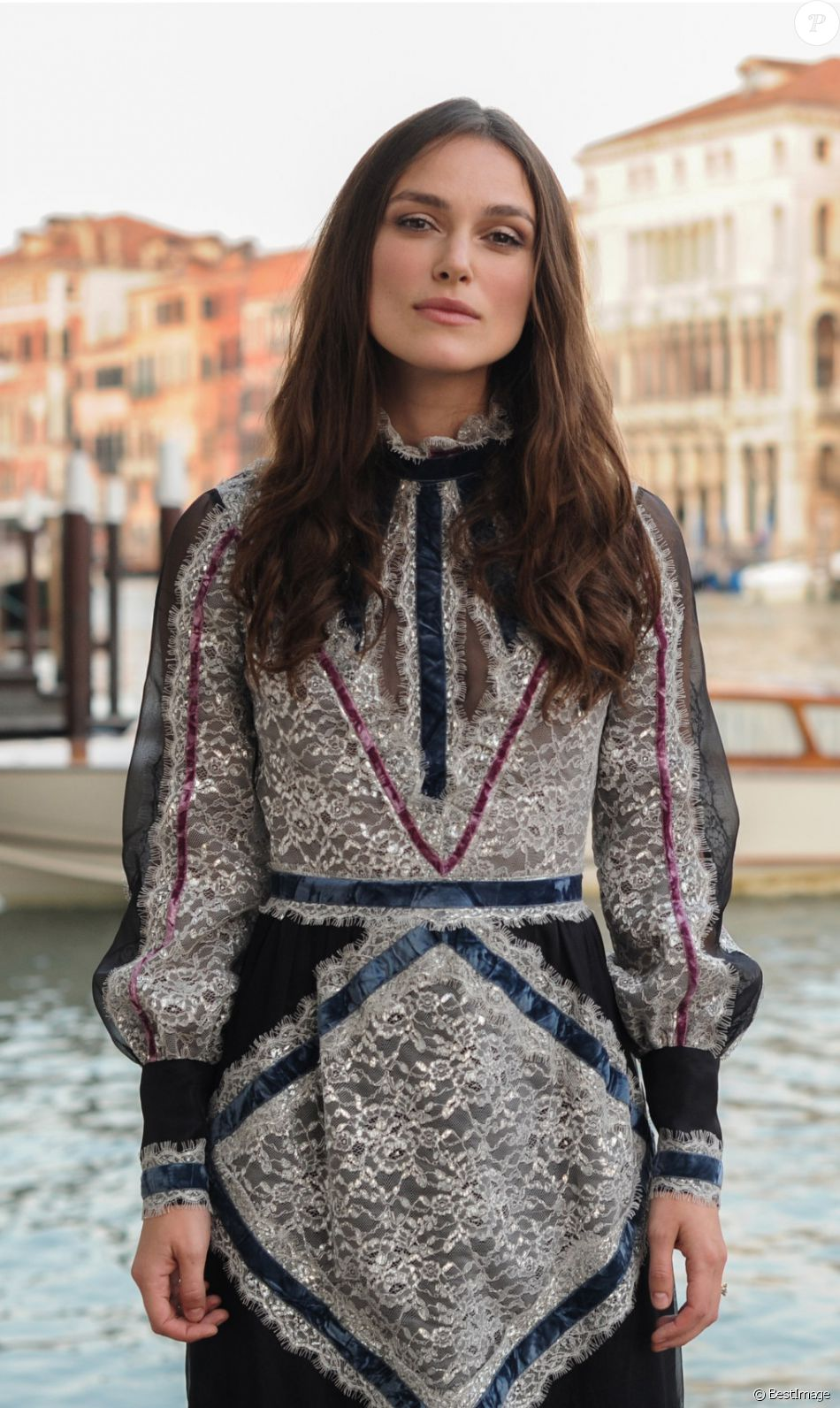 Keira Knightley lors du dîner MyTheresa (mytheresa.com) au palais Papadopoli à Venise, le 26 mai 2016. Celebrities at Dinner MyTheresa (mytheresa.com) at Palace Papadopoli in Venice, Italy on May 26,