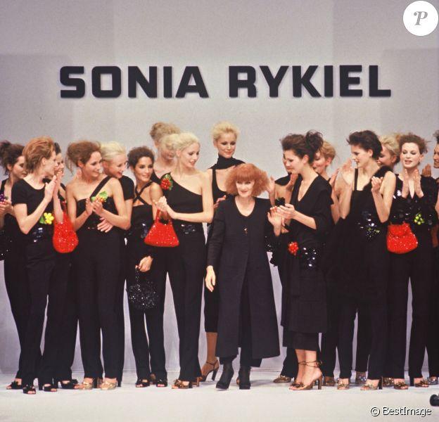 Défilé Sonia Rykiel à Paris. Octobre 1996.