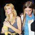 Paris Hilton et sa soeur Nicky le 21 novembre 2008
