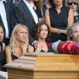 Nathalie Rykiel (fille de Sonia Rykiel) ses filles Lola, Tatiana et Salomé Burstein, son frère Jean-Philippe Rykiel (fils de Sonia Rykiel)et Simon Bursteinlors des obsèques de Sonia Rykiel au cimetière de Montparnasse à Paris, le 1er septembre 2016.