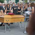 Nathalie Rykiel (fille de Sonia Rykiel) ses filles Lola, Tatiana et Salomé Burstein, son frère Jean-Philippe Rykiel (fils de Sonia Rykiel) et Simon Bursteinlors des obsèques de Sonia Rykiel au cimetière de Montparnasse à Paris, le 1er septembre 2016.