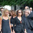 Nathalie Rykiel (fille de Sonia Rykiel) sa fille Lola et son frère Jean-Philippe Rykiellors des obsèques de Sonia Rykiel au cimetière de Montparnasse à Paris, le 1er septembre 2016.