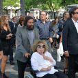 Marek Halter et sa femme Claralors des obsèques de Sonia Rykiel au cimetière de Montparnasse à Paris, le 1er septembre 2016.