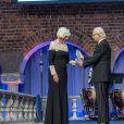 Le roi Carl XVI Gustaf de Suède a remis, en présence de son épouse la reine Silvia, le prix Stockholm Water Prize 2016 au professeur Joan Rose à la mairie de Stockholm le 31 août 2016.