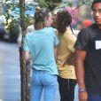 Exclusif - Jaden Smith et sa petite amie Sarah Snyder très amoureux dans les rues de New York. Le couple s'embrasse et se câline sans retenue! Le 30 août 2016