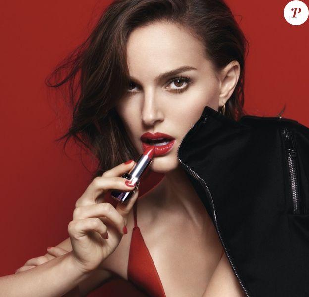 Natalie Portman porte son Rouge Dior Red Smile