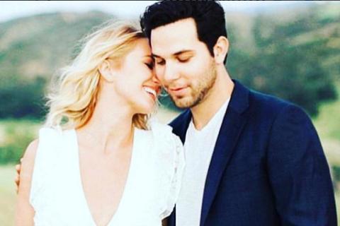 Anna Camp et Skylar Astin : Les stars de Pitch Perfect se sont mariées !