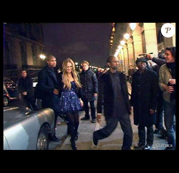 Lindsay Lohan attaquée à la farine par une sympatisante de la PeTA