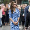 Kate Middleton, superbe en robe Altuzarra, et le prince William étaient en visite à la Stewards Academy à Harlow, dans l'Essex, le 16 september 2016 pour continuer de soutenir la campagne Heads Together en faveur du bien-être mental des jeunes.