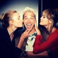 Chrissy Teigen s'éclate à New York avec Josh Otten et Karlie Kloss, le 15 septembre 2016.