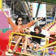 Alessandra Ambrosio avec son compagnon Jamie Mazur et ses enfants Noah et Anja au 'Malibu Chili Cook-Off and Carnival' à Malibu le 3 septembre 2016.